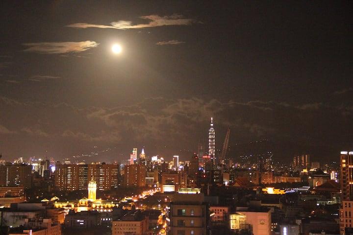 西門町景觀月租套房遠眺101 近捷運 豪宅飯店超高樓層 看夜景
