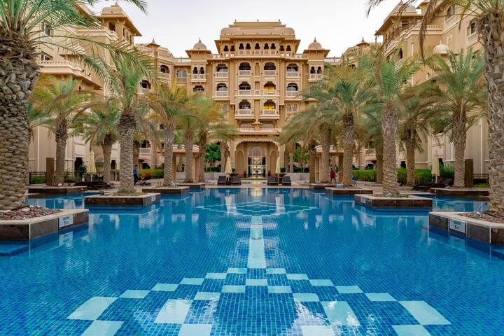 Luxury apt in the complex Dubai The Palm