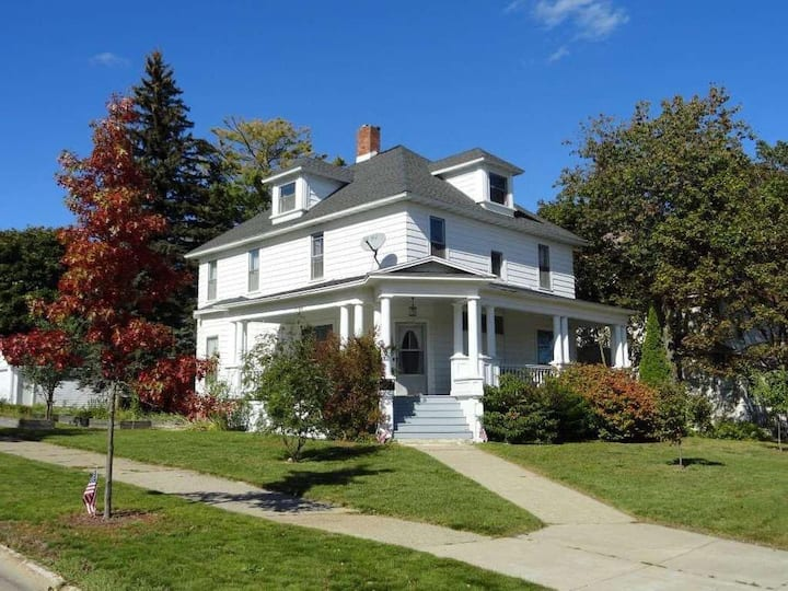 Miners Castle · Historical home by Pictured Rocks! Convenience!!