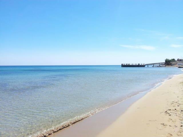 Depandance in a villa close to the beach