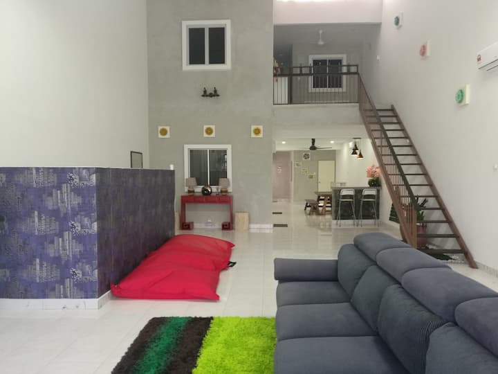 SUNNY HOME 33 @ SEREMBAN (Entire House)