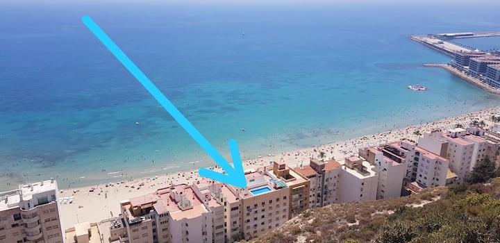 UNIQUE APT. W/POOL- ACROSS THE BEACH-WIFI-A/C
