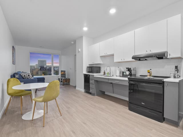 Brand New Downtown Condo/Near Nationwide Children's- 520