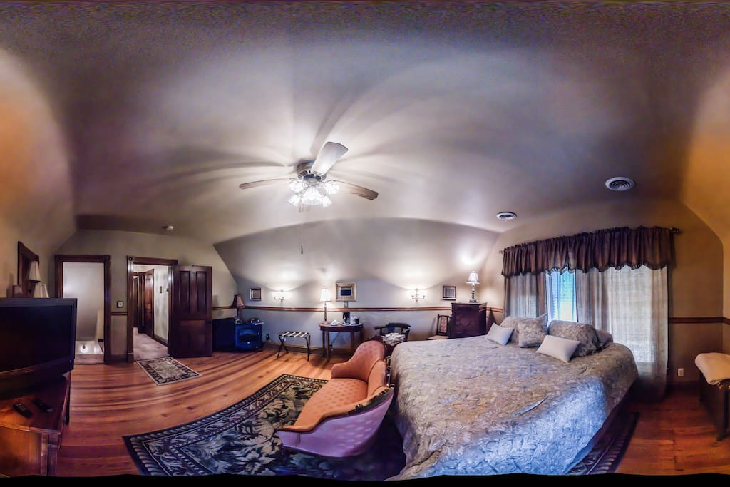360 view of Ballroom Suite