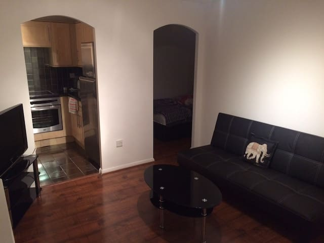 1 Bedroom flat + sofa bed (Maggie's HQ) - Hoddesdon