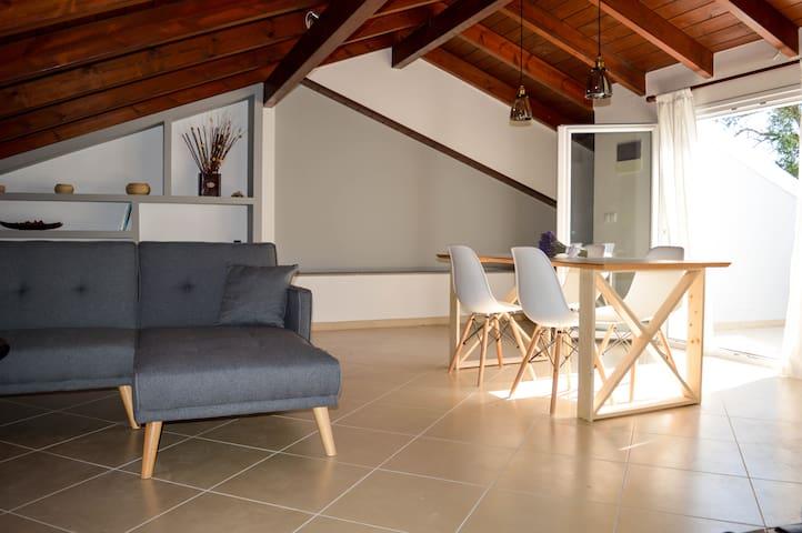 Corfu Birdhouse