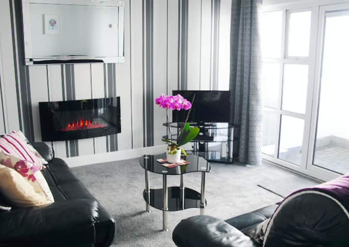 Stylish Modern 2 Bed Apt in the Heart of Galway