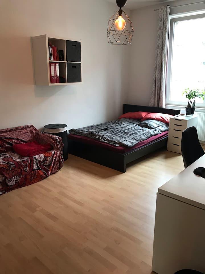 WG Zimmer mitten in Köln Ehrenfeld