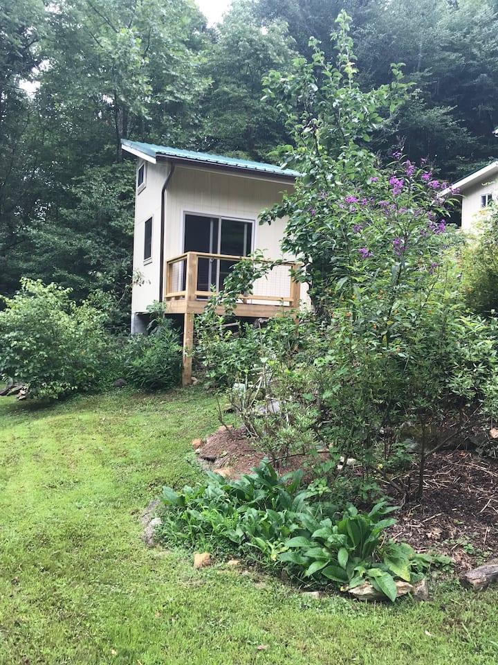 Garden Cabin At Eagle Feather Farm