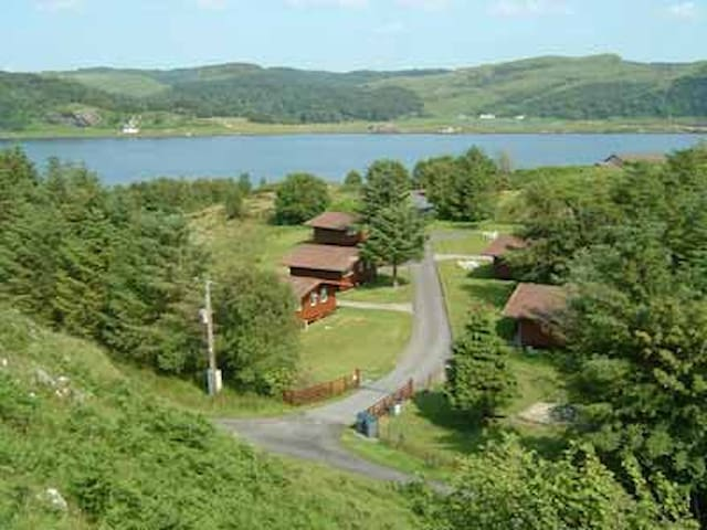 Self Catering Chalet with sea view - Balvicar