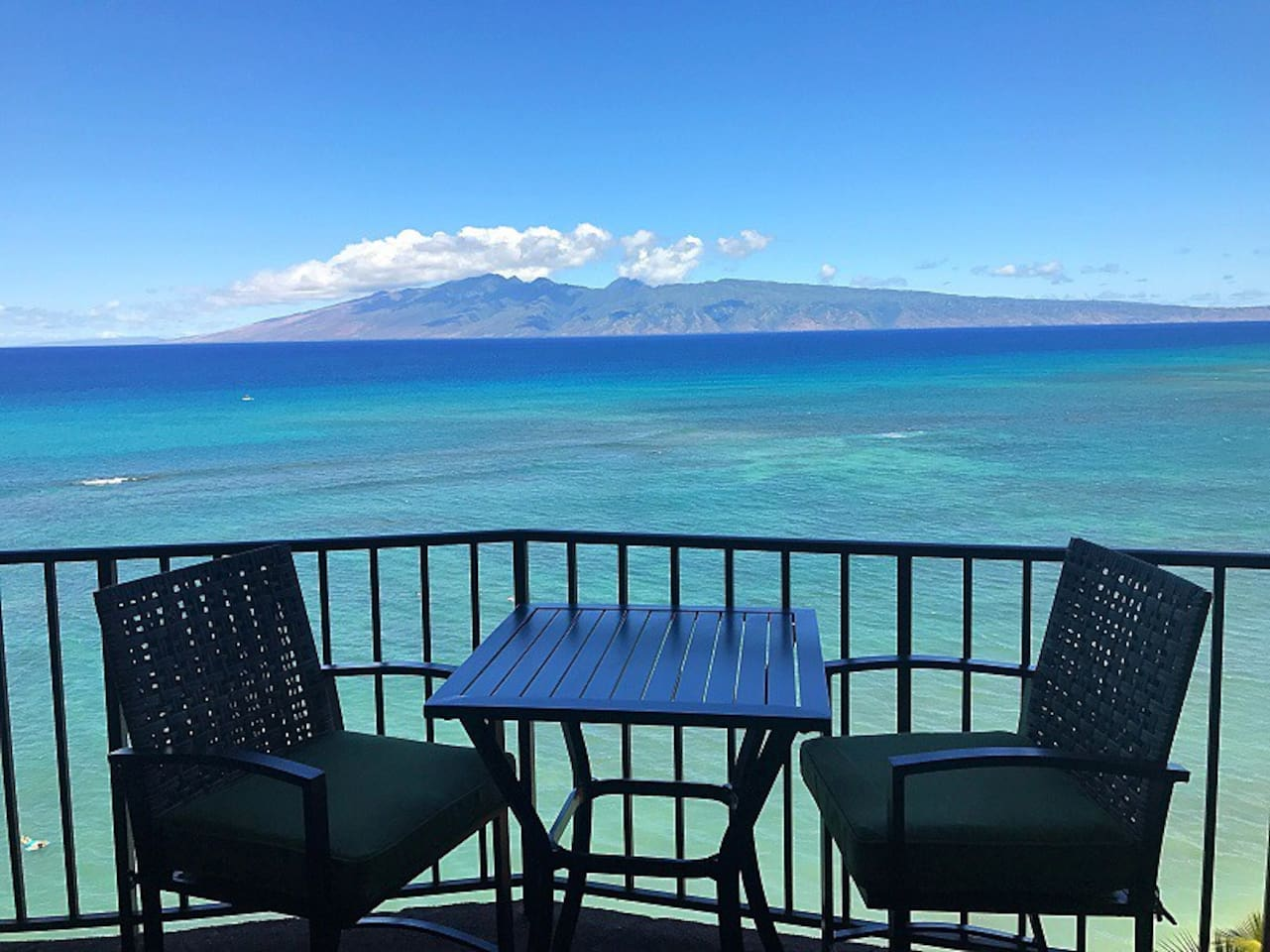 Panoramic ocean front views from lanai