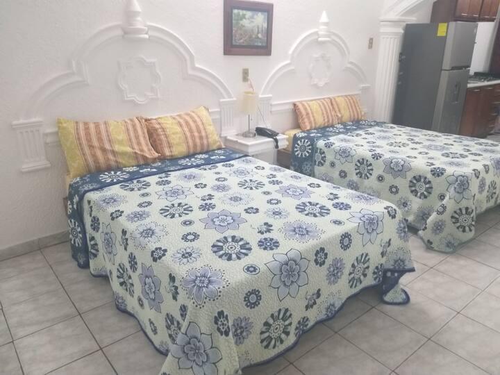 Hermosa habitacion doble con cocina y sofacama