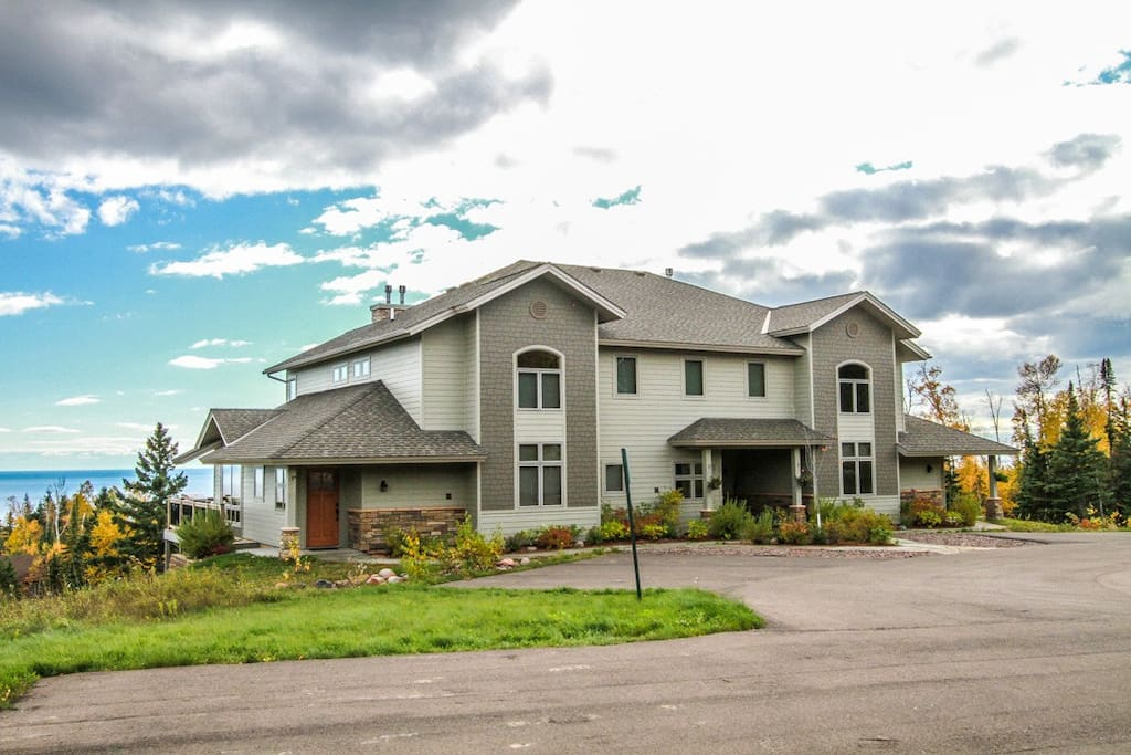 With incredible views of Lake Superior and easy access to Lutsen Mountains and Superior National at Lutsen Golf Course, this townhome is a great option for a North Shore adventure.