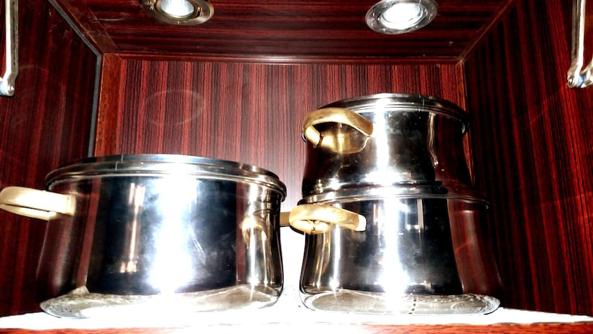* All sizes of stainless steel cooking pots for healthy, fast and safe cooking