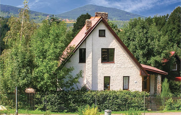 Holiday cottage with 2 bedrooms on 70 m² in Susice