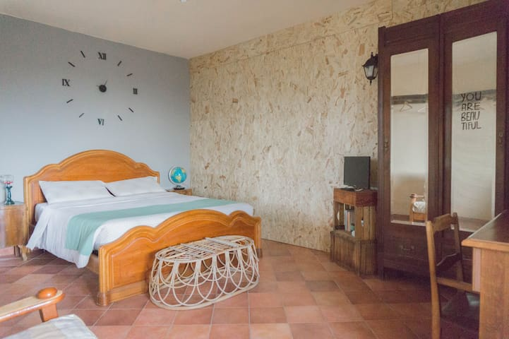 Room with private Terrace in Langhe