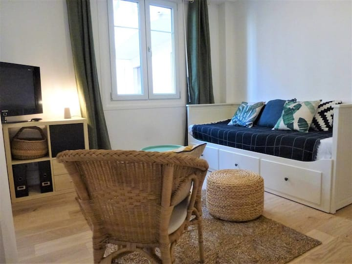 MODERN APARTMENT CLOSE TO PROMENADE DES ANGLAIS - 4 PEOPLE