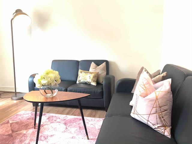 Oxford street 2 bedrooms apartment