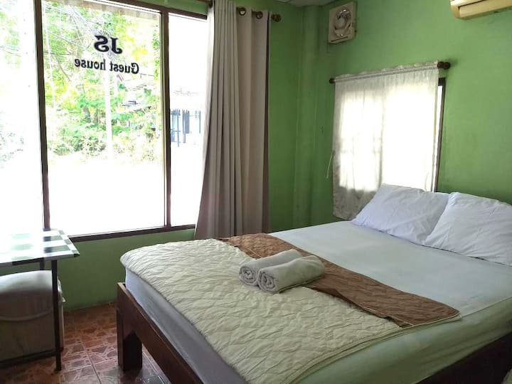 JS Guesthouse - Mae Haad, central location