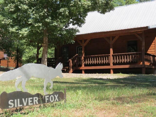 Silverfox: Sleeps 6, Hot Tub, Fireplace, Pet