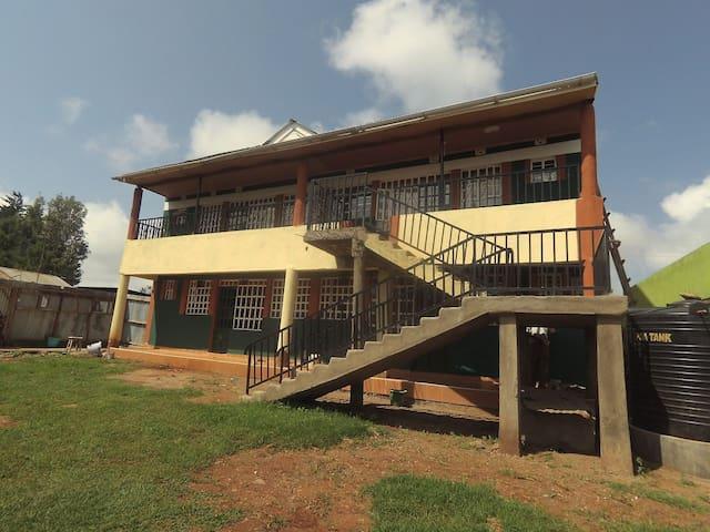 Run in Kenya  - Saro Guest House