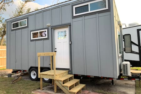 Tiny House - Panama City