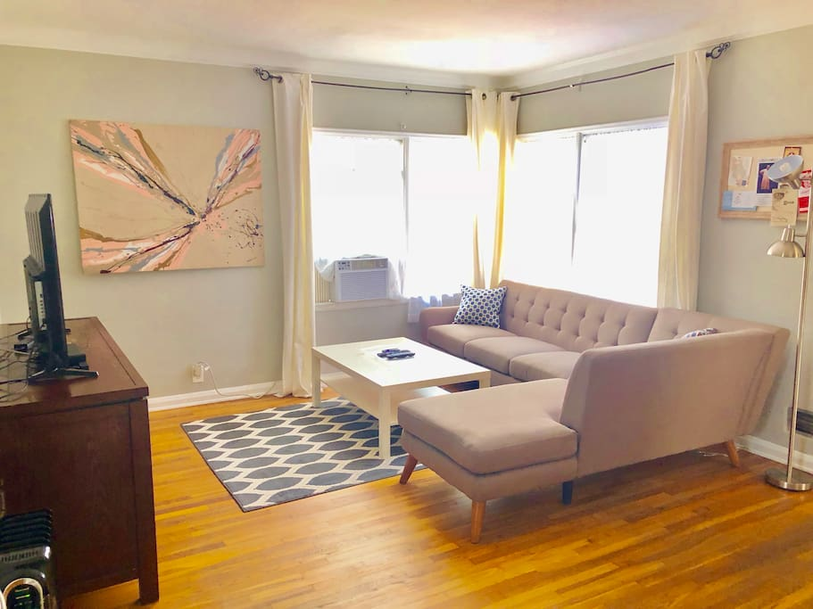 Sleek 2 Bedroom Flat Parking Fast Wifi Serviced Apartments For Rent In West Hollywood