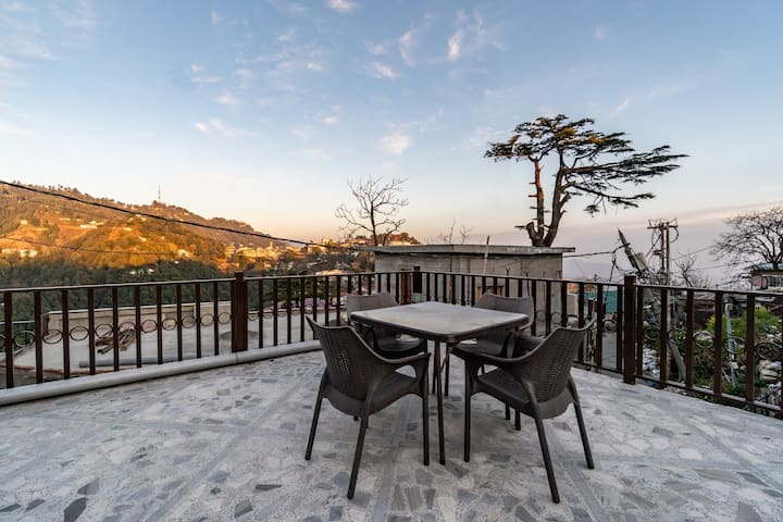 Premium Serviced BR in Mussoorie |1br on Mall Road