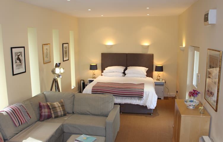 Studio with flexible accommodation, Cirencester - Cirencester - อพาร์ทเมนท์
