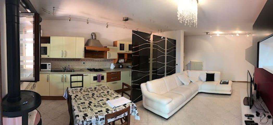 Civico32-Spazioso appartamento (Tavagnacco-Udine)