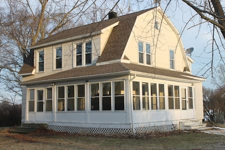 Turn of the century farm house - Pinckney