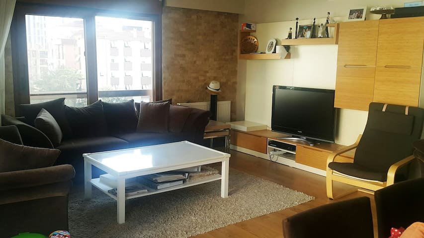 Large flat in new apartment near Bagdat Street - Kadıköy - Leilighet