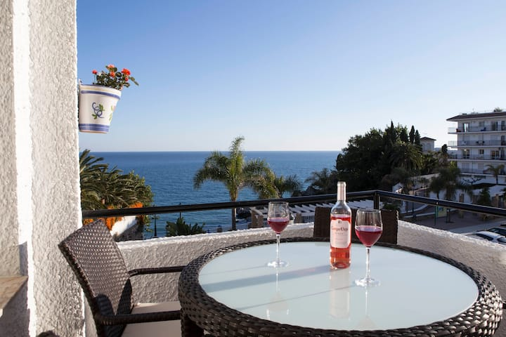 2 Bedrooms/2 Bath with Spectacular Sea Views Nerja