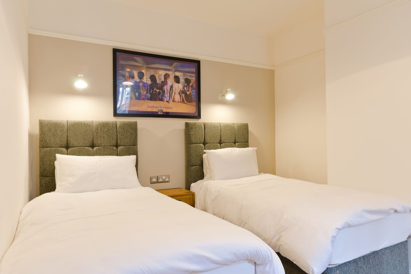 Twin Bedroom with two large single beds