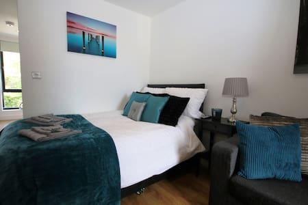 Beautiful Studio Apartment close to City Centre - Liverpool - Apartment
