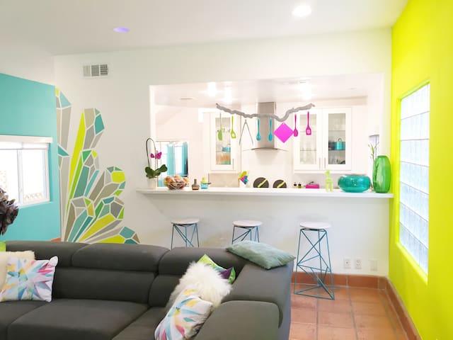 Silver Lake Colorful Mod Home w/ Jacuzzi PrivateRm
