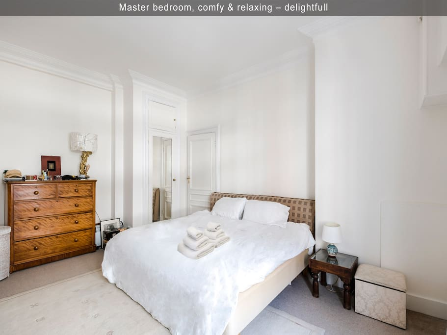 Master Bedroom–Stunning W1 APT - welcome