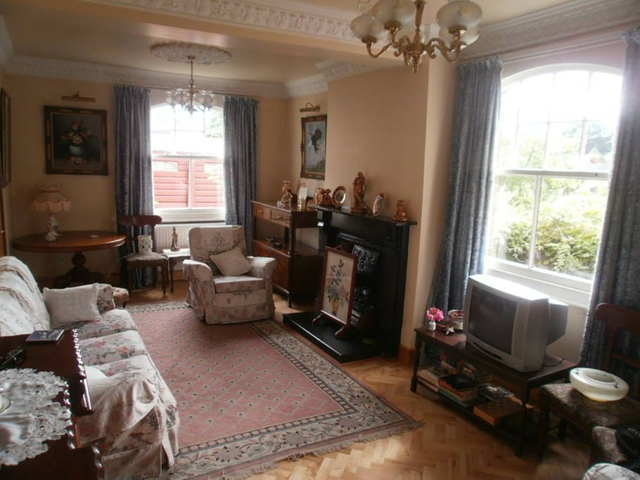 Single bijou room townhouses for rent in armagh for N ireland bedroom tax