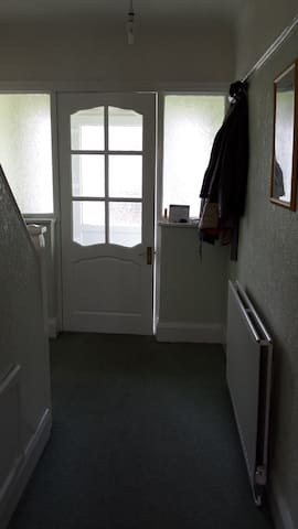Single Room in a Great Location - Ellesmere Port - Casa