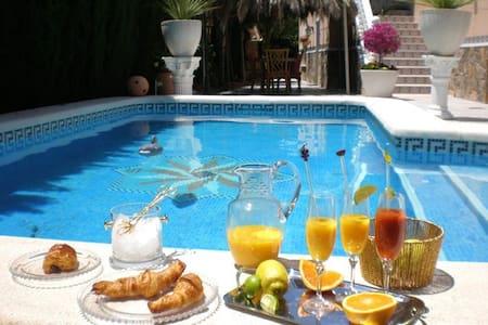 Chalet con piscina privada - Algorfa