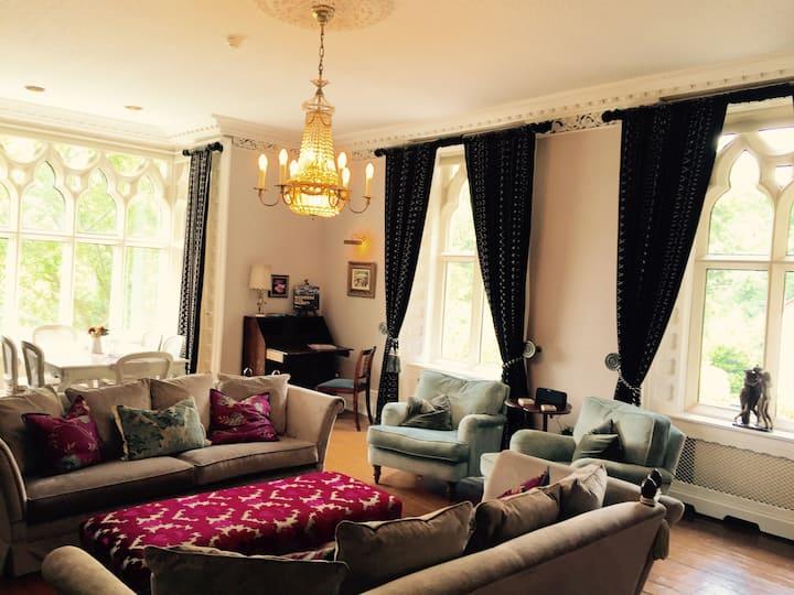 5^ Luxury Manor on Lake Windermere