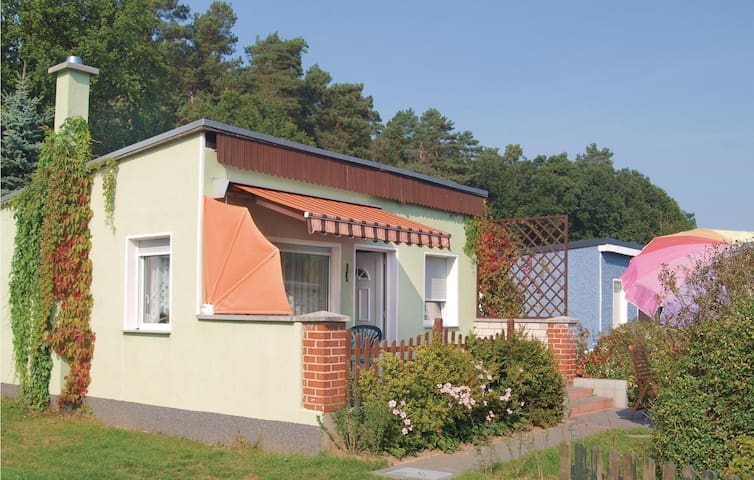 Holiday cottage with 2 bedrooms on 40m² in Ganzlin