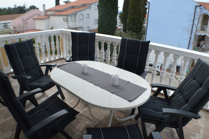 Family appartament Damir - Biograd na Moru - Guest suite