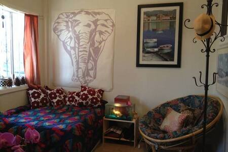 Cozy room in the Mission