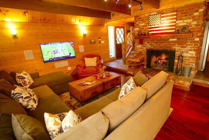 Grass Valley Lodge: Family Retreat w/Lake Pass