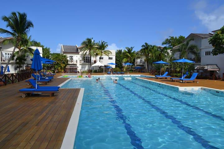 """Hibiscus"" Luxury Apartment + Pool + Beach + Wifi - Gros Islet - Appartement"