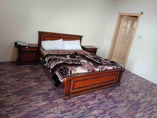 Shimla Resorts Econmy budget Room