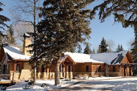 Luxury Family Home On The RF River - Aspen