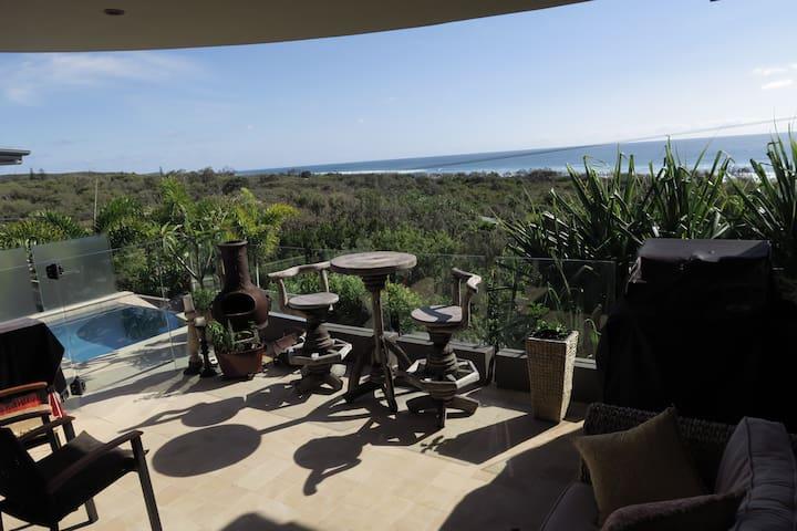 Walk in 5 minutes to the beach - Peregian Beach - House