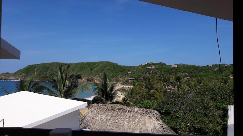 Posada Ziga 3, Hab con balcón vista parcial mar